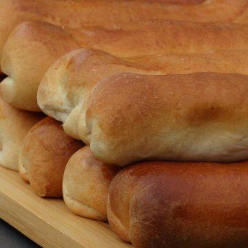 Wie lust ze niet, echte Boekelse worstenbroodjes!