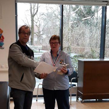 Feliciteer Carambole kampioen Corry van de Laar
