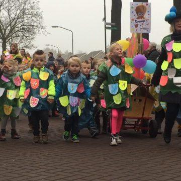 [VIDEO] Scholen-optocht 'Boekels Boekenbal'