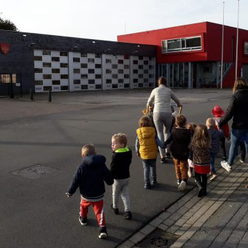 KDV 't Stappertje op bezoek bij brandweer Boekel