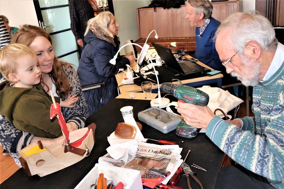 Repair Café Boekel geopend