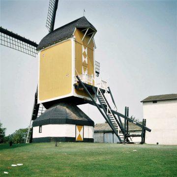 Staalconstructie bij Boekelse molen voor de veiligheid