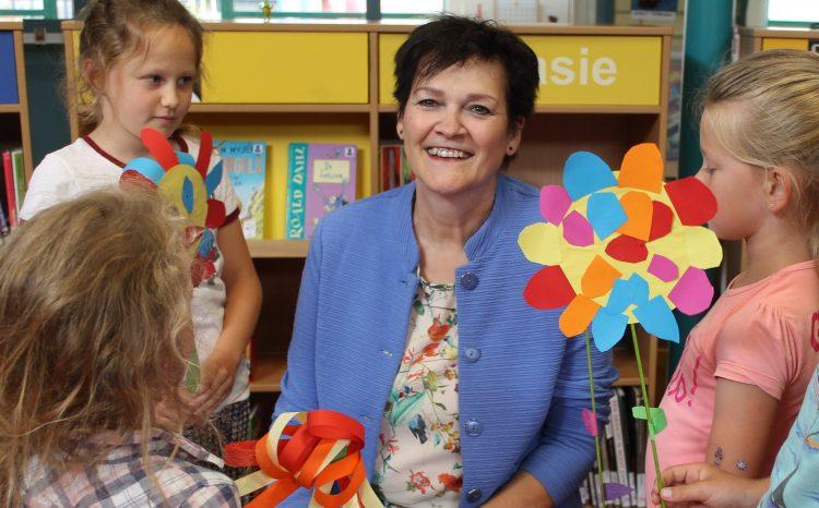 Helmi Maas neemt afscheid van KC Cornelius, na 44 jaar onderwijs in de gemeente Boekel