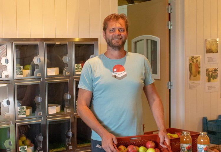 Biologisch fruit uit de automaat in Boekel